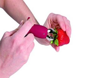 Erdbeerenstrunken entfernen