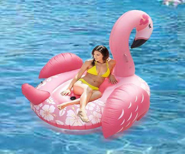 Riesige aufblasbare Flamingo